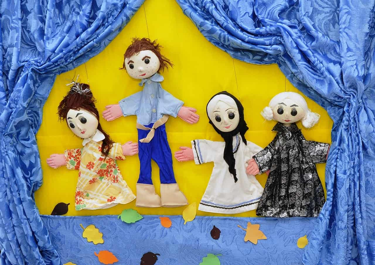 puppets-834229_1280